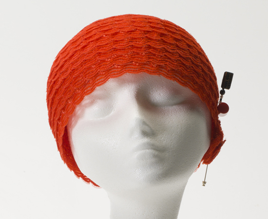 Red Domino Cloche FW12-583